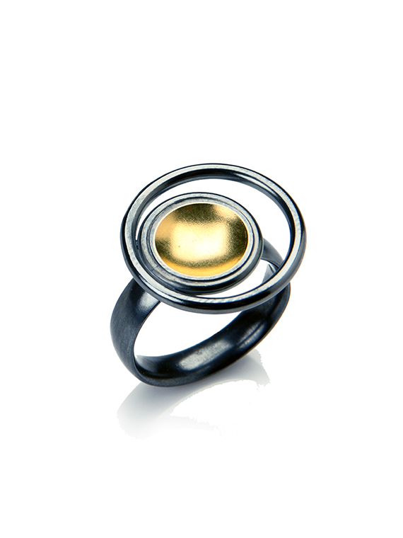 Fiona Kerr Jewellery / Black & Gold Small Ring - BG22