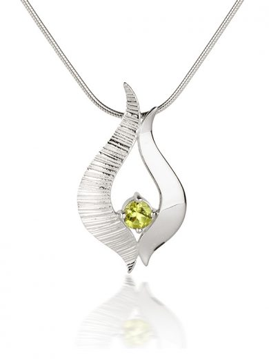 Fiona Kerr Jewellery / Ebb and Flow Silver medium pendant with Peridot - EF04P