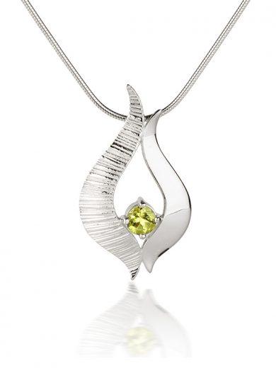Fiona Kerr Jewellery / Ebb and Flow Silver medium pendant with Peridot - EF04P