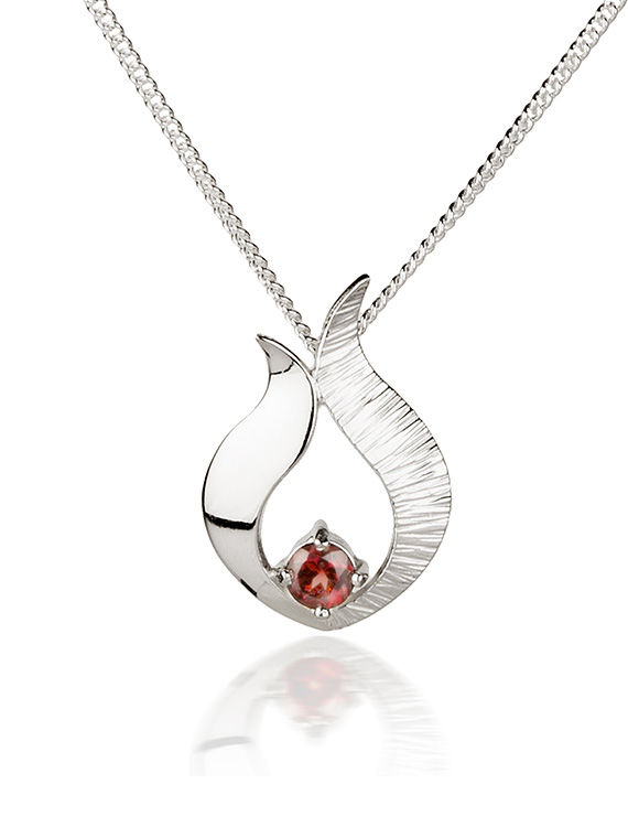Fiona Kerr Jewellery / Ebb and Flow Small Silver Pendant with Garnet - EF06G