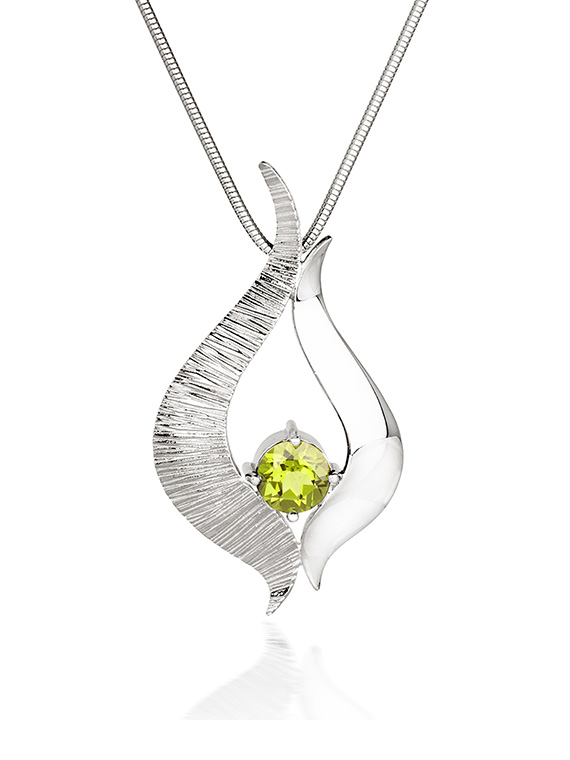 Fiona Kerr Jewellery / Ebb and Flow Large Silver Pendant with Peridot – EF08P