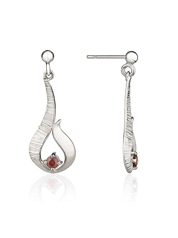 Fiona Kerr Jewellery / Ebb and Flow Small Silver Drop Earrings with Garnet – EF12G