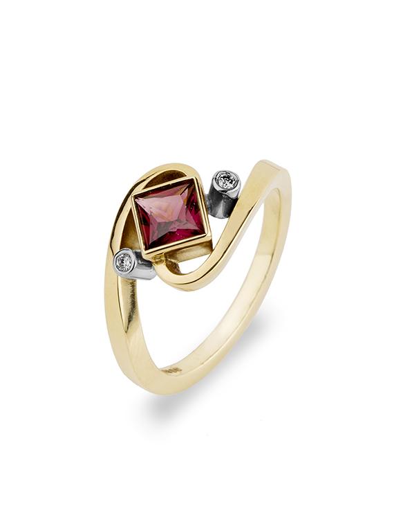 Fiona Kerr Jewellery | Rhodalite Garnet Gold Ring