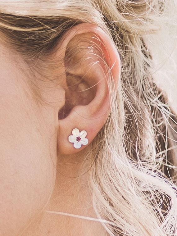 Fiona Kerr Jewellery / Cherry Blossom / Medium Silver Stud Earrings with Garnets - CB02G